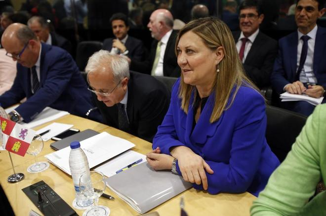 Castilla y León propone que los comercios cobren por probarse ropa