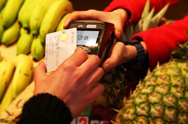 Visa y Mastercard devolverán 5.300 millones por cobrar comisiones