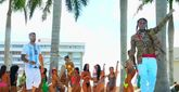 El rapero 6ix9ine y el reguetonero Anuel AA en el videoclip de 'Bebe'