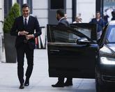 El presidente del Gobierno, Pedro Sánchez, llega al Congreso de los...