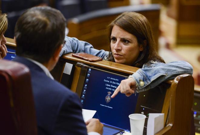 La portavoz socialista en el Congreso, Adriana Lastra, este miércoles...