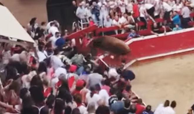 Un toro se escapa de la plaza de Villafranca
