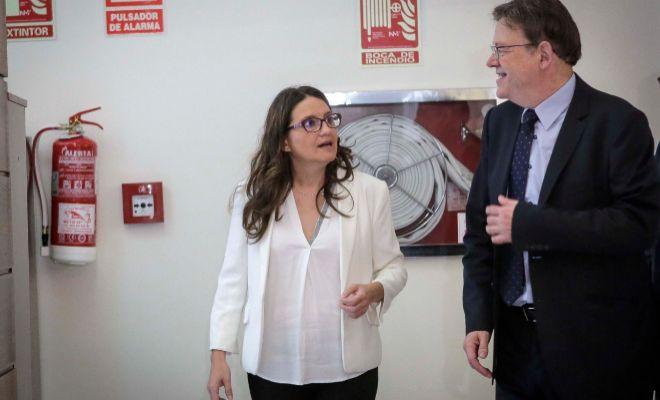 Mónica Oltra y Ximo Puig, en las Cortes.