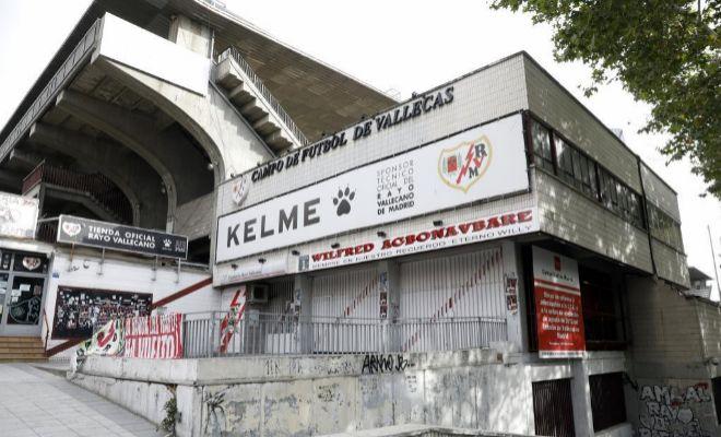 La comunidad autoriza la reapertura del estadio del rayo for Oficinas rayo vallecano