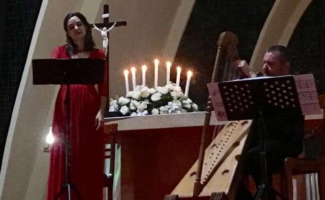 Los españoles Rocío de Frutos y Manuel Vilas en una de las actuaciones como parte del Festival Internacional de Música Sacra de Bogotá.