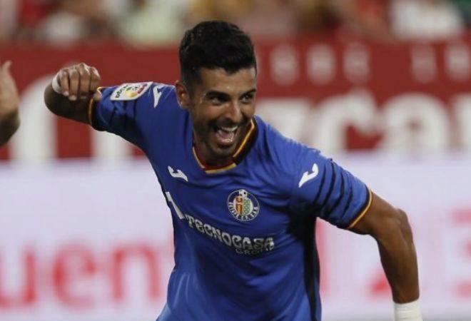 Ángel, delantero del Getafe, celebra un gol en el Sánchez-Pizjuán.