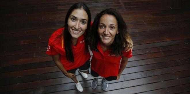 Belén Arrojo y Laia Palau posan para EL MUNDO.