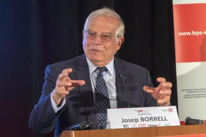 El ministro de Asuntos Exteriores, Josep Borrell, durante un encuentro...