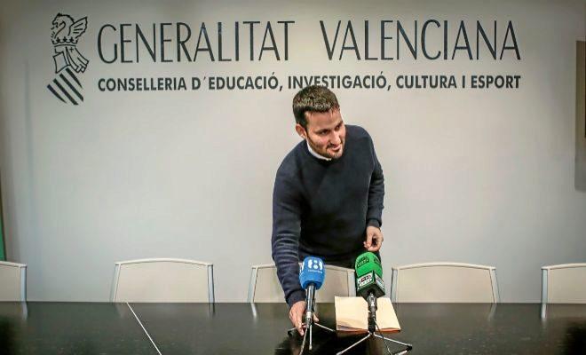 El conseller de Educación, Vicent Marzà, durante una rueda de prensa.