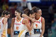Las jugadoras de la selección española celebran la victoria ante Puerto Rico.