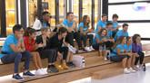 Los concursantes de 'Operación Triunfo' durante el reparto de temas...