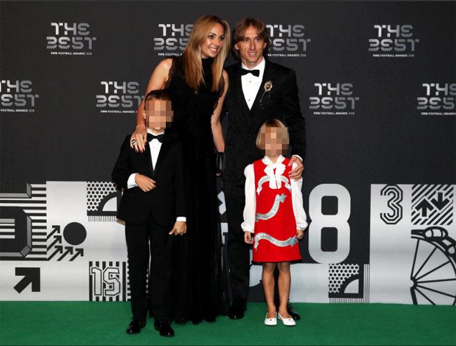 Luka Modric, su mujer y sus hijos, en la gala 'The Best 2018'
