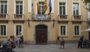 Tres pancartas independentistas para el Ayuntamiento de  Blanes