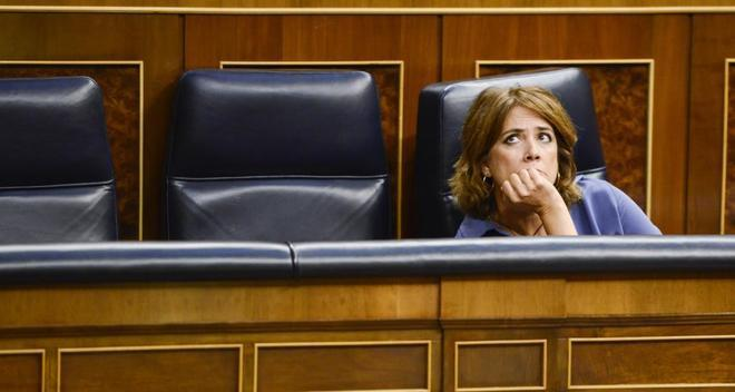 La ministra de Justicia, Dolores Delgado, en su escaño del Congreso.