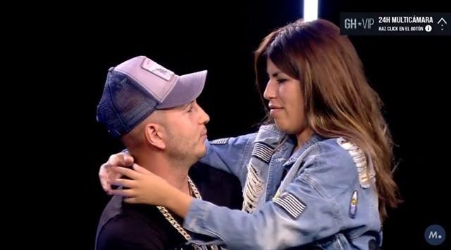 Isa Pantoja y su novio Omar, durante su encuentro en GH VIP