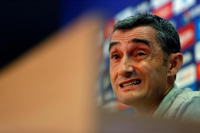 Ernesto Valverde, entrenador del Barcelona, durante la rueda de prensa.