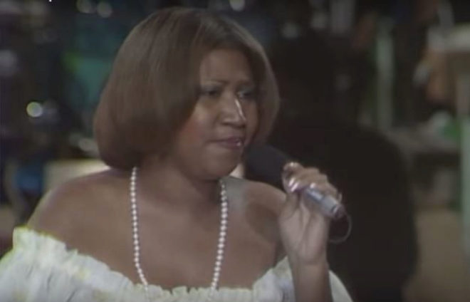 Aretha Franklin en una de sus interpretaciones de Respect