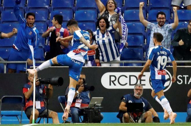 Mario Hermoso celebra su gol ante el Eibar.