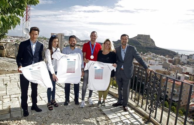 Presentación de la Sanitas Marca - Carrera de los Castillos, este miércoles, en el castillo de San Fernando.