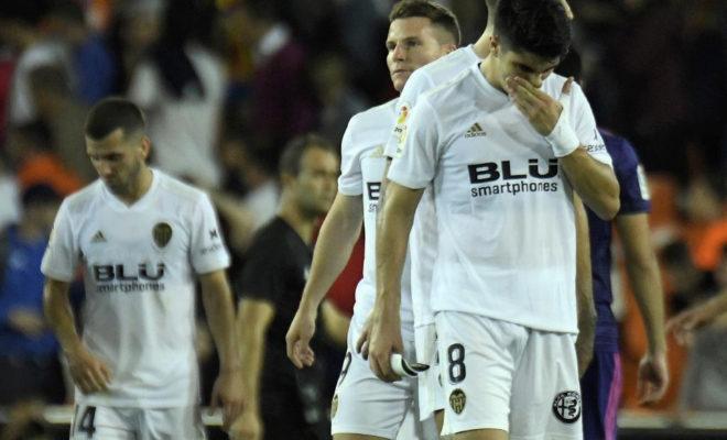Carlos Soler se lamenta por el empate cosechado ante el Celta.
