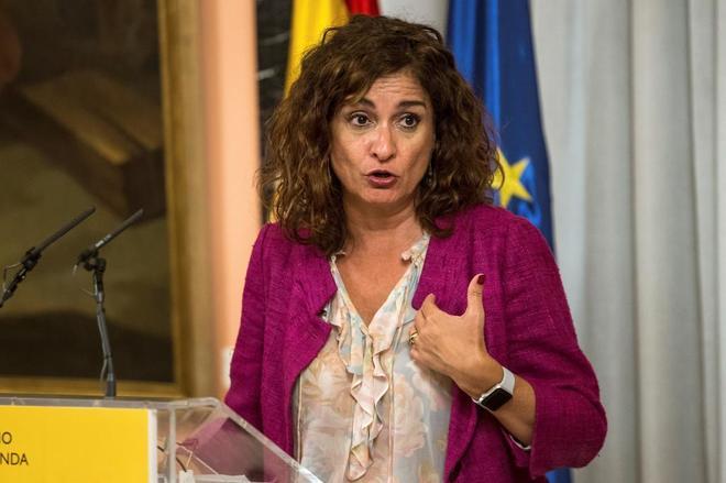 La ministra de Hacienda, María Jesús Montero, en rueda de prensa en...