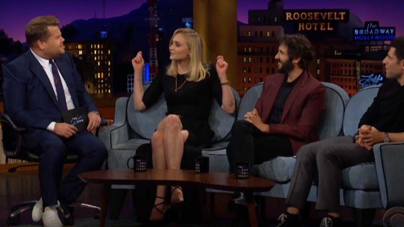 La actriz Sophie Turner, Sansa Stark en Juego de Tronos, contando la...