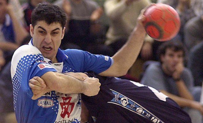 Óscar Mainer, con el Portland, durante la temporada 2000-2001