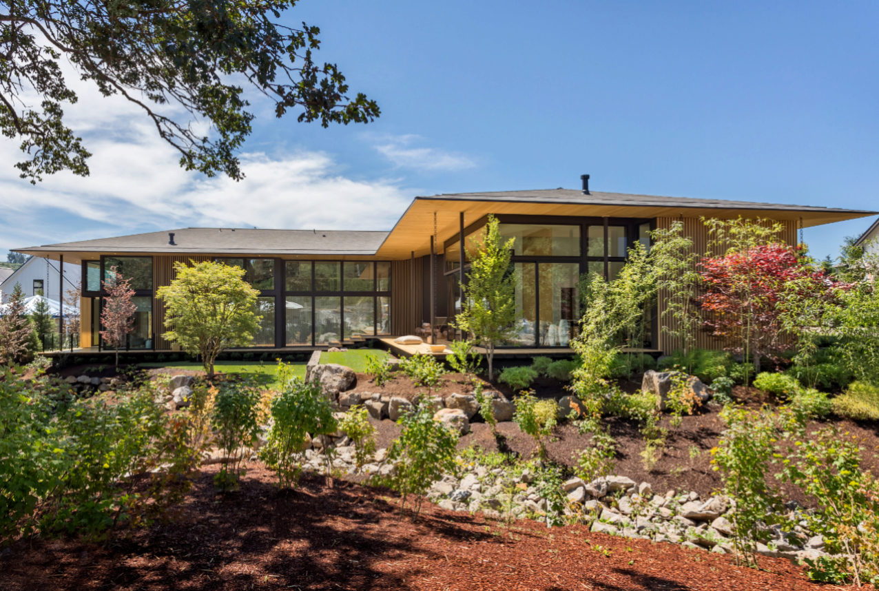 La Casa Suteki, obra del japonés Kengo Kuma y situada en Portland...