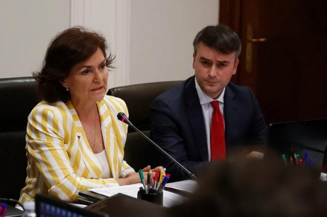 Iván Redondo, junto a Carmen Calvo, en una reunión de la Comisión General de secretarios de Estado, el pasado junio.