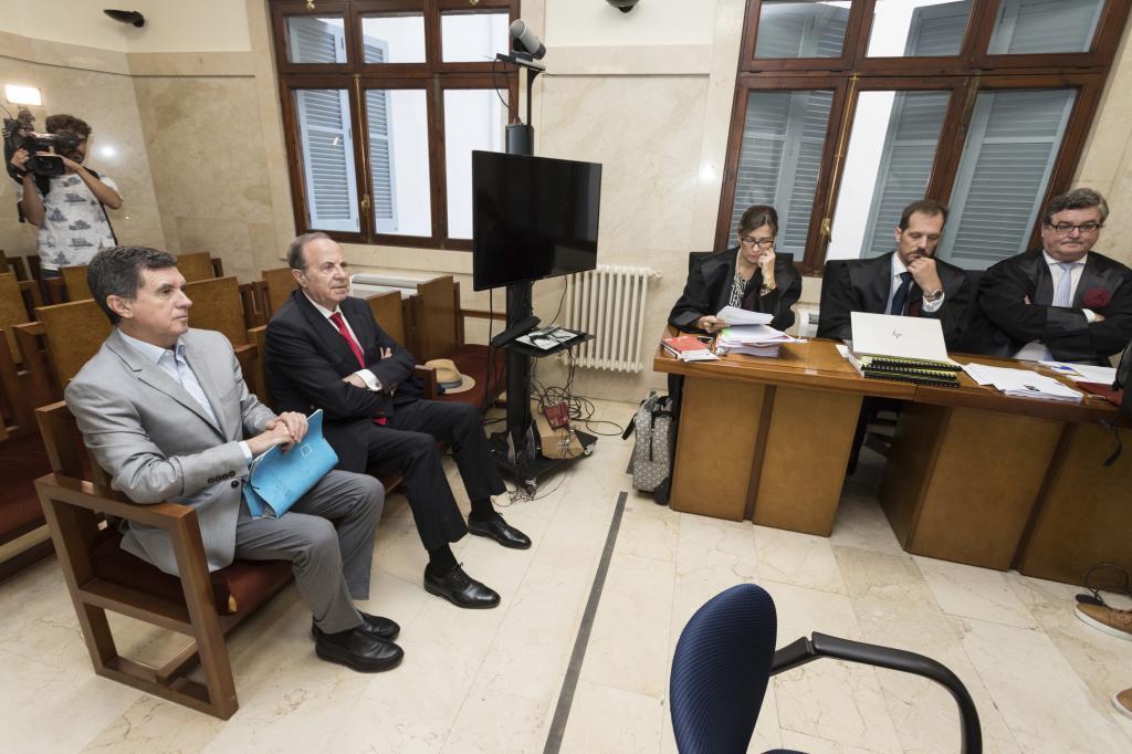 Jaume Matas y José María Rodríguez, en el banquillo.
