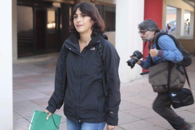 Juana Rivas recoge en Granada la sentencia que la condena a 5 años de cárcel.