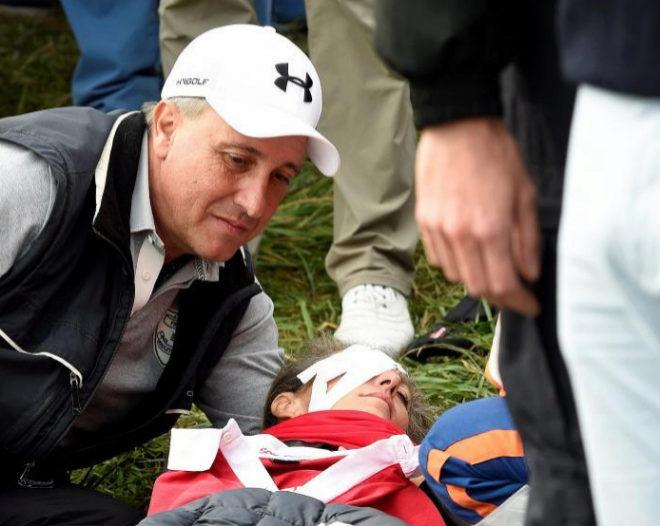 Corine Remande, tendida en el suelo tras el impacto de la bola de Koepka.