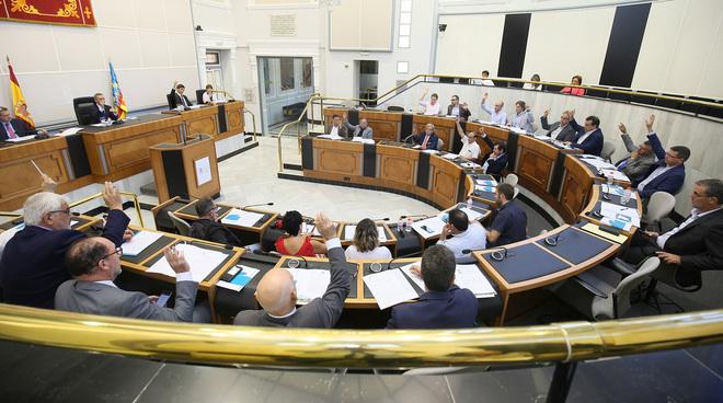 Reunión de la Mesa del Agua, ayer, en el Palacio Provincial de Alicante.