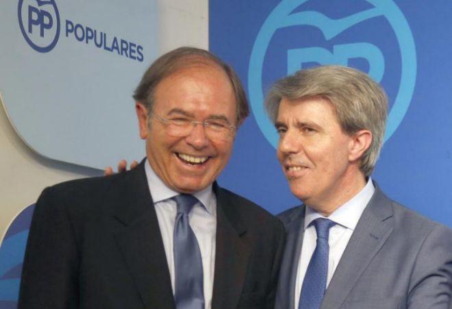 Pío García-Escudero y Ángel Garrido en la sede del PP de Madrid.