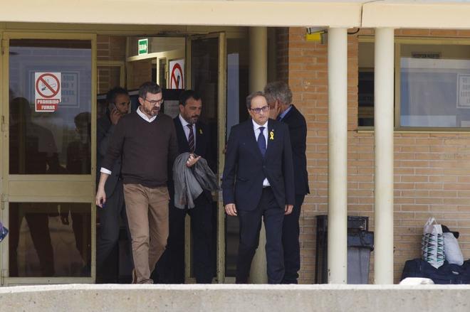 El presidente de la Generalitat, Quim Torra, sale de la prisión de...
