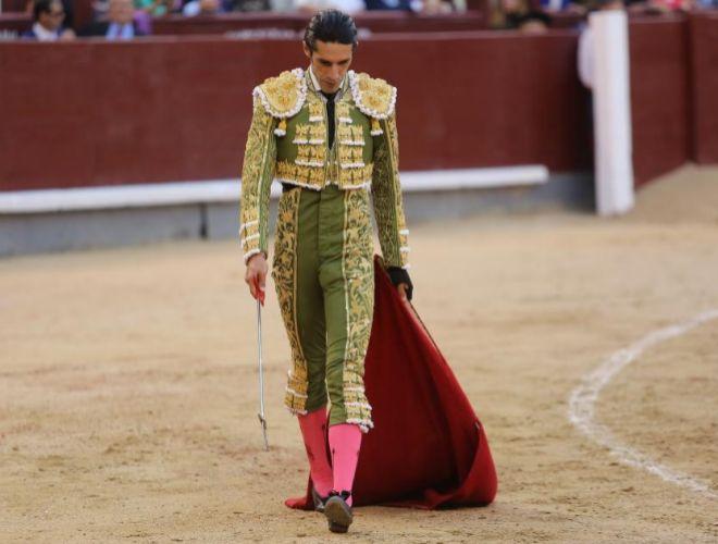 Talavante, con gesto cabizbajo, careció de opciones para el triunfo este viernes en Las Ventas