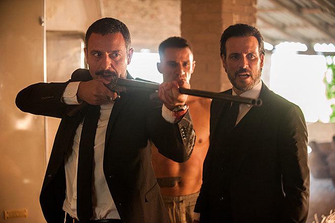 Isak Férriz, Carlos Librado y Daniel Grao, en 'Gigantes'.