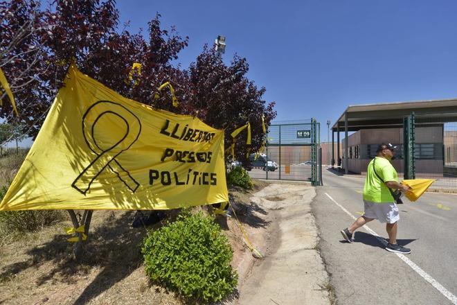 Pancarta contra el encarcelamiento de los independentistas procesados...