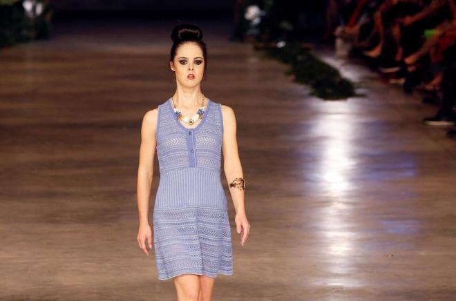 Marián Ávila, primera modelo española con Síndrome de Down, triunfa en Alicante con Francis Montesinos