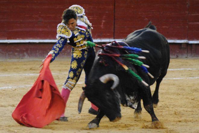 Derechazo de Jesús Chover en la plaza de toros de Valencia