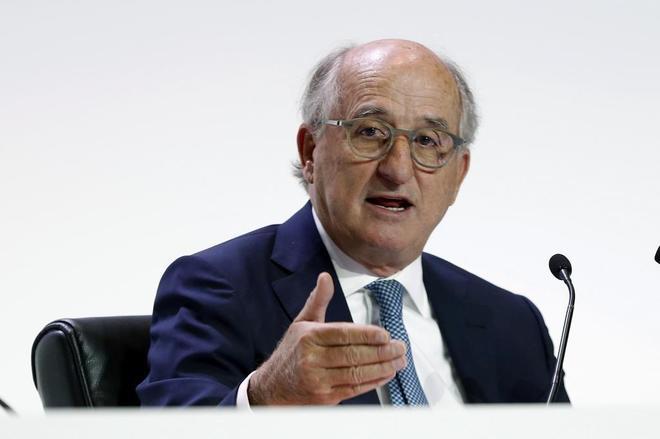 El presidente de Repsol, Antonio Brufau, durante su intervención en una junta de accionistas.
