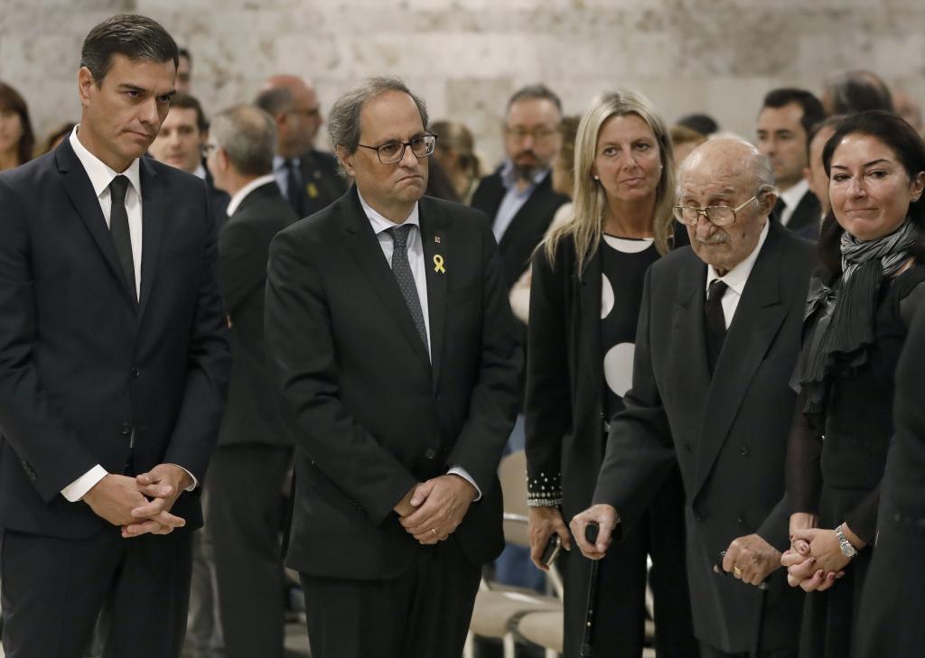 El presidente del Gobierno, Pedro Sánchez, el presidente de la...