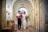Tras la ceremonia, celebrada en los jardines del palacio de Liria, los...