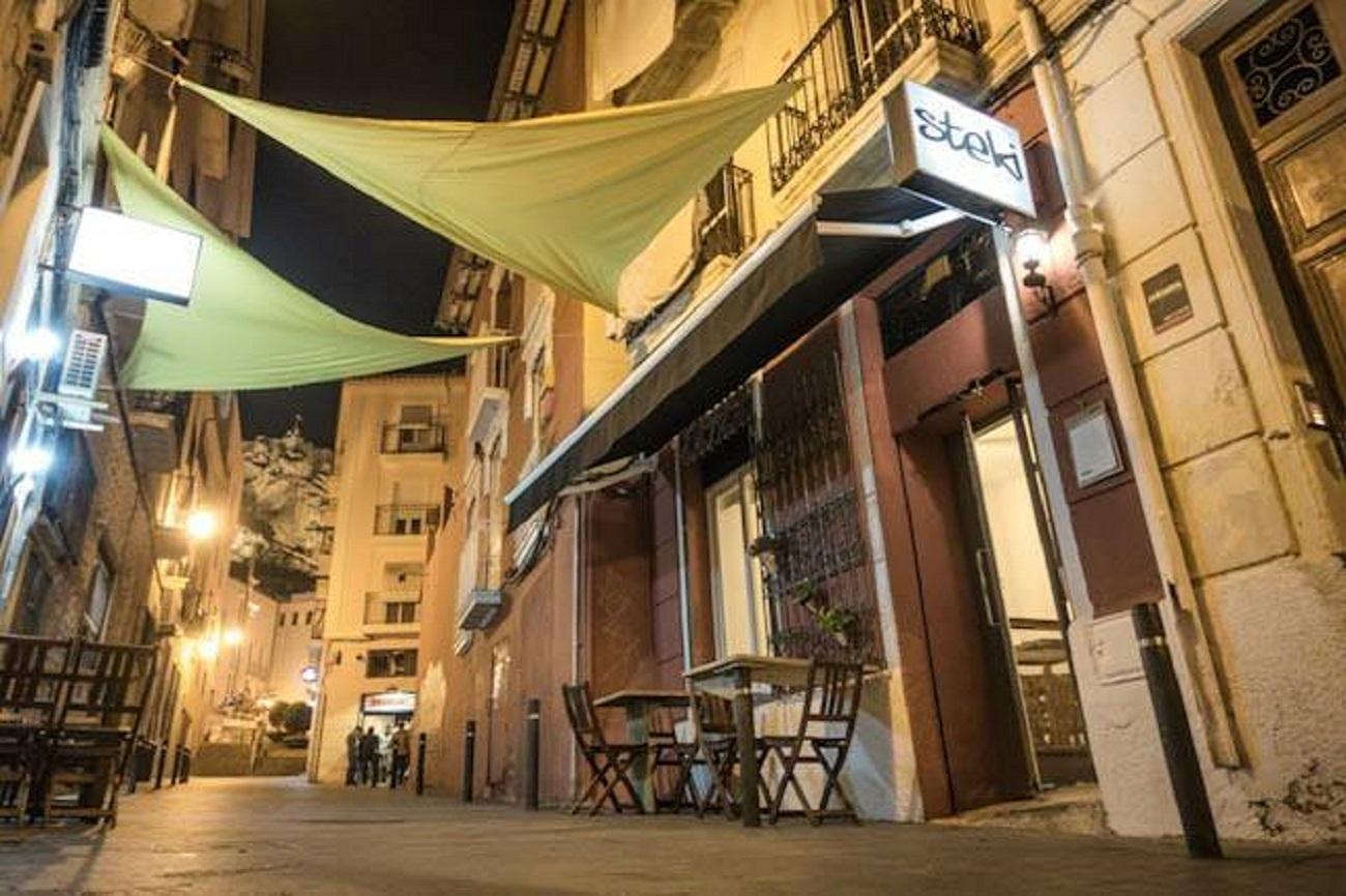 Valoración: 5 Localización: Calle...