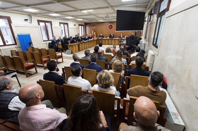 Los controladores en el juicio en Palma.