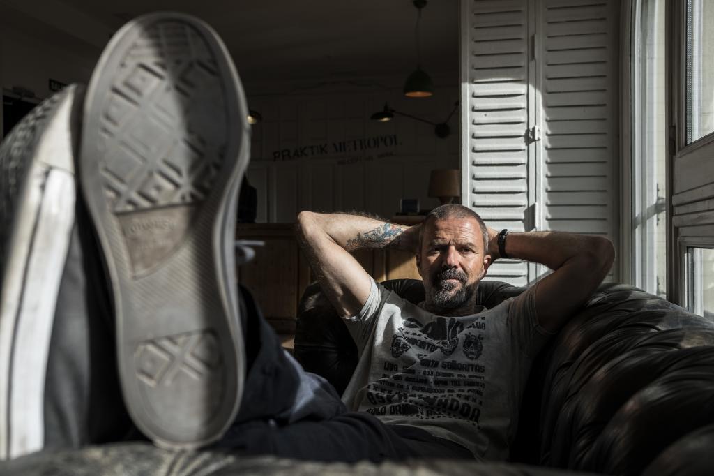 """Pau Donés: """"El cáncer me matará, pero ahora no me viene bien que me voy a surfear"""""""