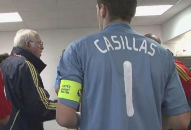 Luis Aragonés e Iker Casillas, en una charla de la Eurocopa 2008.