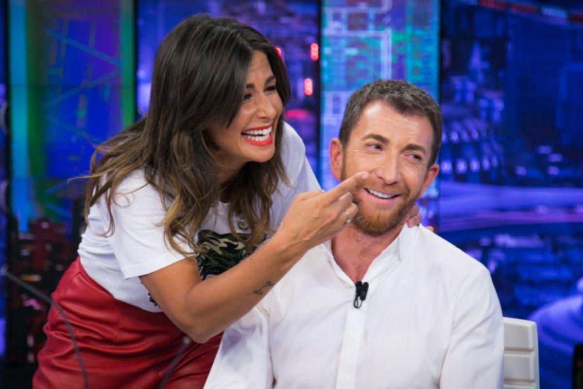 Nuria Roca explicando que el presentador de 'El Hormiguero', Pablo...