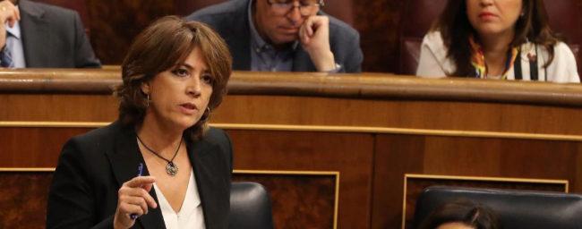 """Dolores Delgado se declara """"víctima de un chantaje al Estado"""" y la oposición insiste en que dimita"""