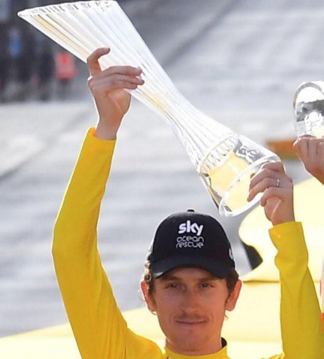 Thomas, en el podio del último Tour.
